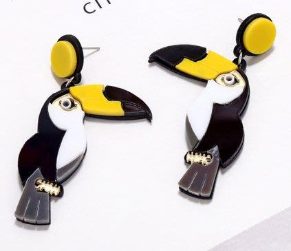 100%Boutique日韓歐美誇張造型壓克力鹦鹉啄木鸟耳環