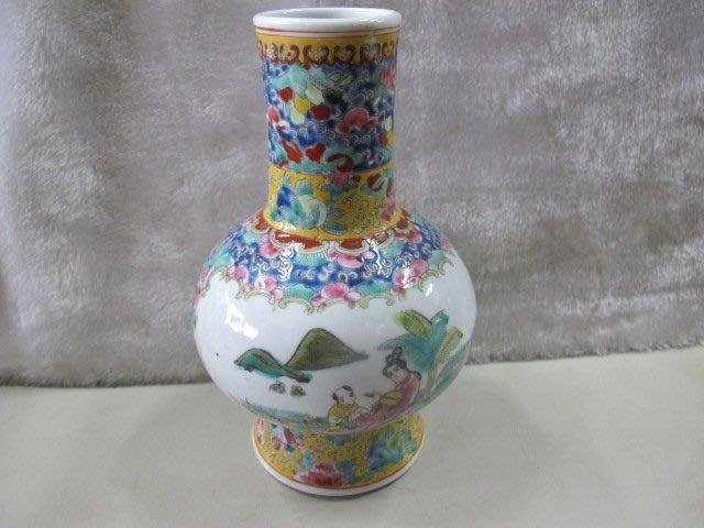 二手舖 NO.4420 陶瓷小花瓶 老件收藏 士人風雅式樣 上釉 大清雍正年製