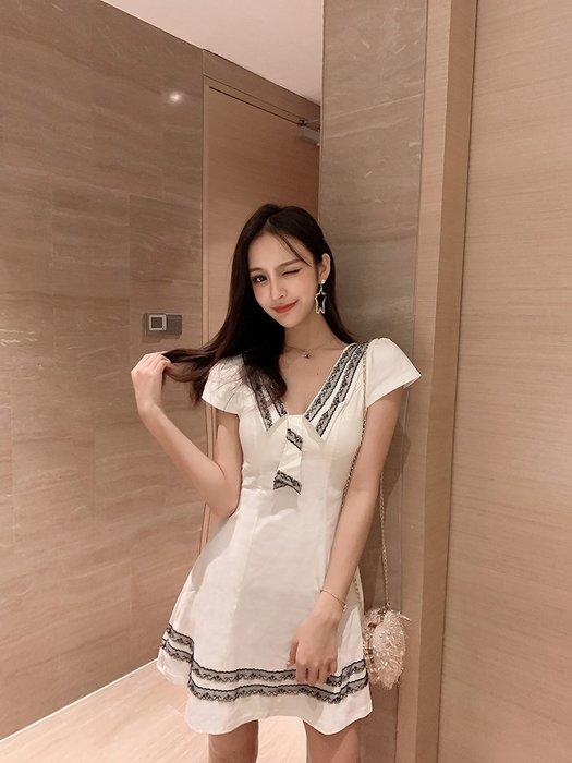 日韓服飾*免運費商品*制服學院洋裝(白色)*韓國連線**現貨*玲瓏曲線*原價540-特價398**3s潮流屋