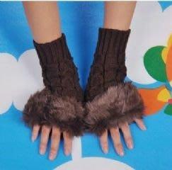 韓版仿兔毛針織手套 毛毛露指手套 時尚穿搭配件保暖毛線手套(咖啡色)-艾發現