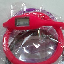 運動休閒LED矽膠手環錶。美廉社商店