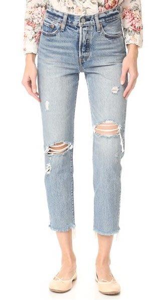 ◎美國代買◎Levi's Wedgie Selvedge雙膝刷破褲口抽鬚淺藍刷色仿舊頹廢高腰刷破直筒九分牛仔褲