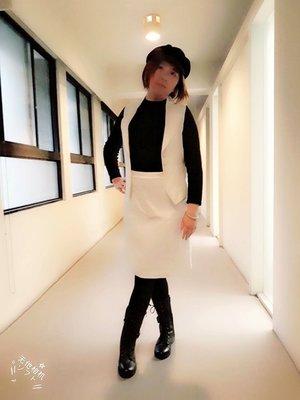 《蔓青小舖》(五個銅貨)FIVE  PENCE  白色時尚套裝 (背心+裙子)