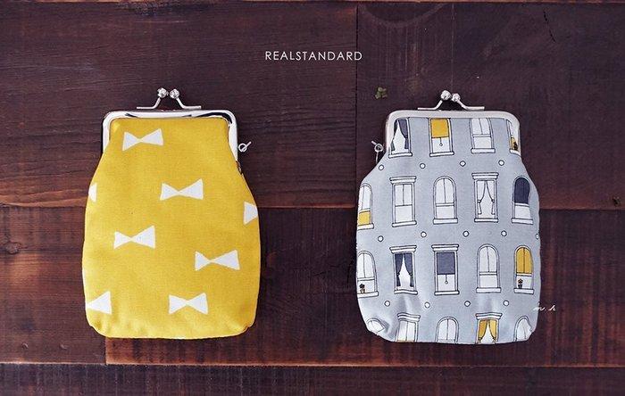 日本 愛知県《 REAL STANDARD 》高質感 黃蝴蝶結 可愛歐式窗戶 珠釦 零錢 置物袋 化妝包