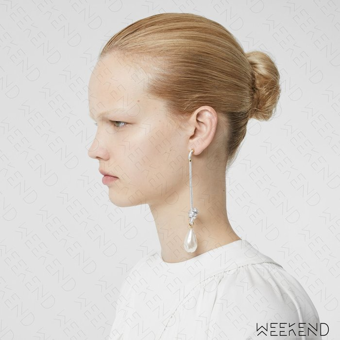 【WEEKEND】 BURBERRY 大尺寸 皮革 珍珠 一對 耳環 銀色