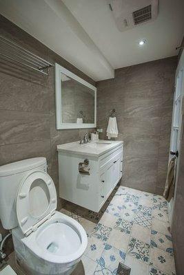 浴室整修 衛浴翻修 浴櫃訂做 花磚拼貼 壁磚挑選 【帷圓 訂製】