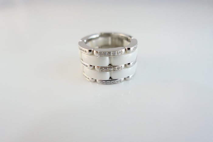 [吉宏精品交流中心]CHANEL 香奈兒 白色 陶瓷 原鑲鑽石 18白K金 戒指