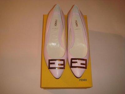 ***FENDI 義大利 品牌 經典 Logo 全新 真品 牛皮 粉紅 女鞋- 37.5***
