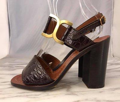 【RECOVER 名品二手】CHLOE 深咖啡皮革壓鱷魚紋高跟涼鞋 .100%CHLOE 真品 . 001-10000