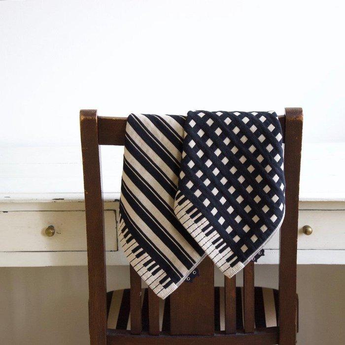 日本製~ATSUKO MATANO 保野溫子 今治產 三重紗 鋼琴 琴鍵 方巾 34*34公分(隨機出貨)