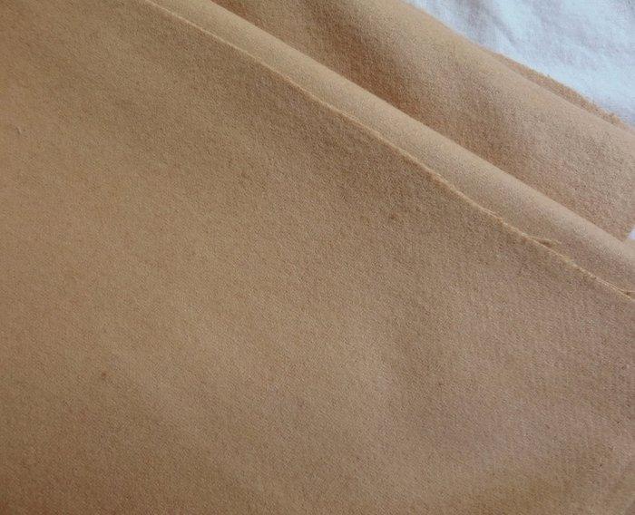 1尺180元 純色 素色 米色 寬145公分 超厚 羊毛 毛呢布料 羊絨 大衣風衣外套裙子