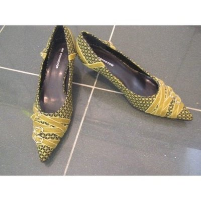 100%全新【MD Collection】泥黃色花 黑底 錦布 面尖頭 高跟鞋 High Heel,39號,2寸高,11寸長,原$1280