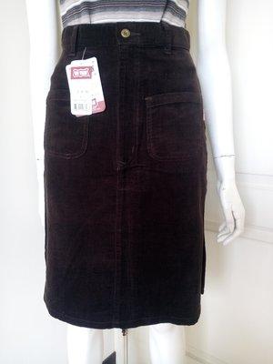 【全新有吊牌】牌價1250的專櫃BIG TRAIN深咖啡色絨布A字短裙,清衣櫃價120(女、SIZE:S號)