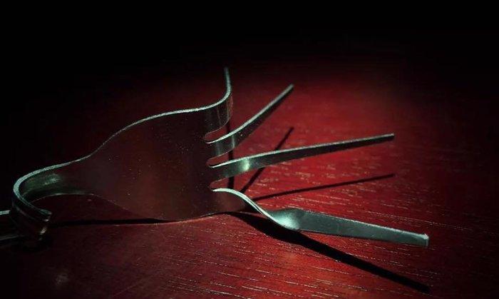 【天天魔法】【S1138A】正宗原廠~叉子彎曲~L fork by Long Lonf(龍龍)~Bacon出品