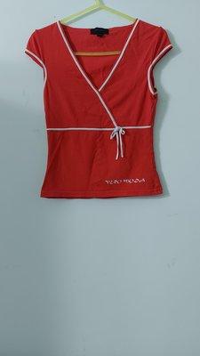 (搬家大出清)歐洲品牌 丹麥VERO MODA 紅色滾白邊 V領短袖恤衫。尺碼155/ 76A 碼(約國內S碼)jil agnesB  sha 新北市