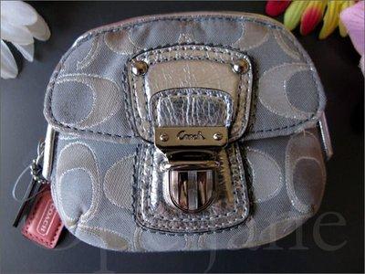 Coach Coin Purse 拉鍊零錢包手拿包內有夾層袋可放信用卡悠遊卡車票 免運費 iCoachBag