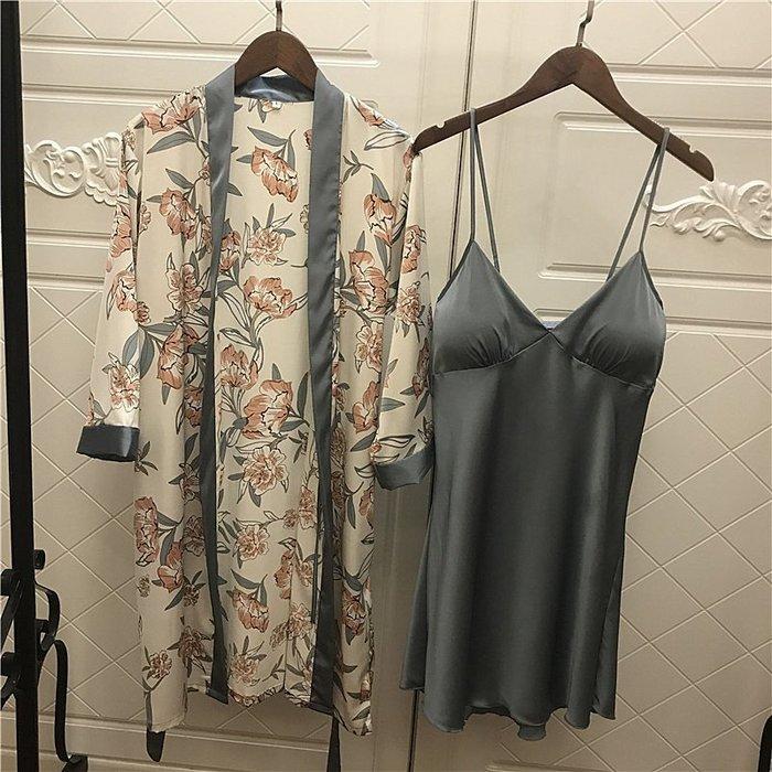 •*~ 辣媽咪衣飾小舖 ~*•❤女裝系列📣R970584性感V領火辣性感吊帶睡衣+印花罩衫二件套套裝 (附胸墊)