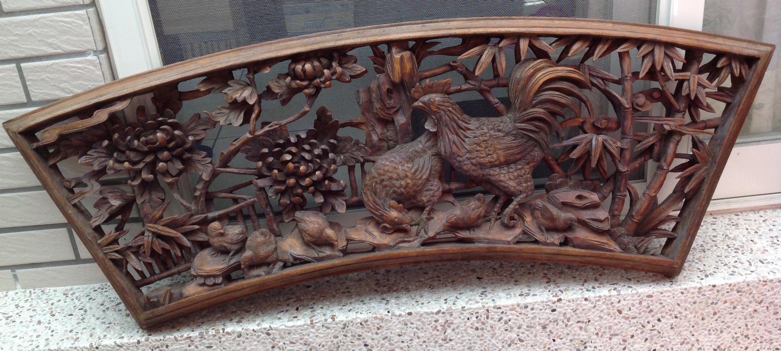 【黑狗兄】牛樟老木雕--和樂融融--木雕雞,公雞母雞小雞C-07