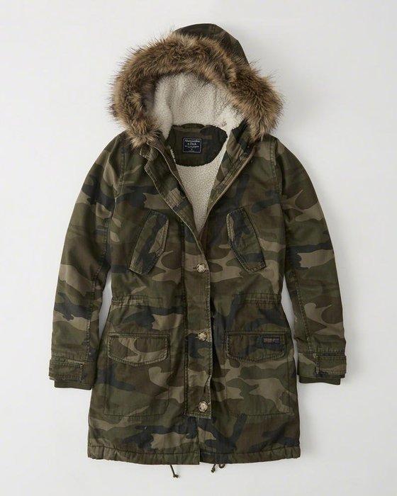 Maple麋鹿小舖 Abercrombie&Fitch * A&F 迷彩長版內鋪毛毛連帽外套 *( 現貨XS號 )