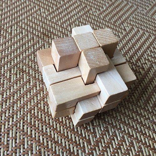 成人兒童老年木制益智玩具 古典玩具 孔明鎖  字母鎖益智動手動腦玩具幫助寶寶開發智力