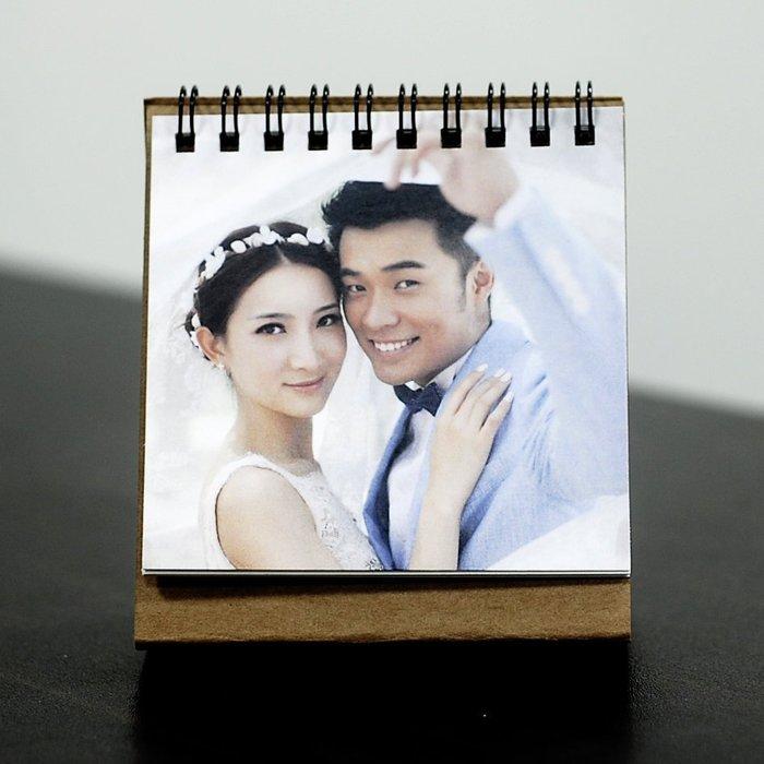 桌曆 可跨年份製作 301份以上18元 13張照片 婚禮小物 相片桌曆 年曆 照片客製化 印刷 小量製作 月曆 馬克杯