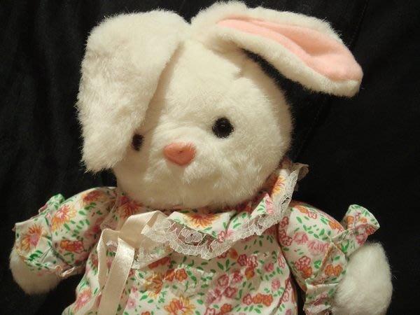 全新美國帶回,很可愛的小兔子玩偶,低價起標無底價,免運費!