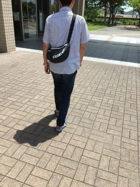 日本Stream Trail戶外防水包-Moon 時尚休閒側背包 月亮包、彎月肩背包 水餃包-瑪瑙黑Onyx