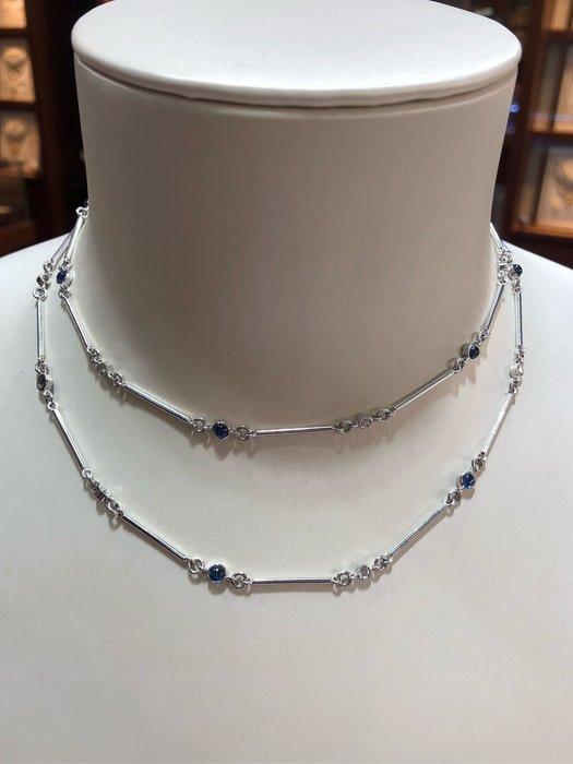 設計師珠寶展款式,藍寶石鑽石長項鍊,獨一無二,只有一條,買到賺到,超值優惠價36800,優雅款式適合氣質高雅的美女,時尚造型設計款式不撞鍊