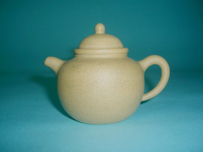 (3包)中國宜興早期老技師吳衛蘭2016年國工130CC1980年代帶黑砂段泥小品紫砂壺(85年以前開茶行留下來的福)