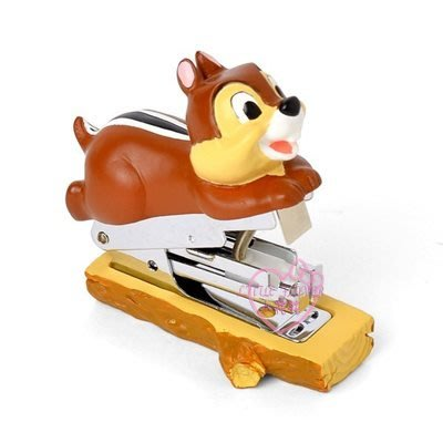 ♥小花花日本精品♥奇奇蒂蒂松鼠兄弟趴姿造型公仔釘書機文具用品辦公用品~3
