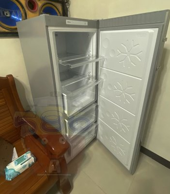 自動除霜款《台南586家電館》HERAN禾聯直立式冷凍櫃170公升【HFZ-B1762F】可自動除霜!!