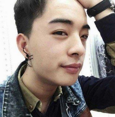 韓國最新款 蜘蛛耳環 萬聖節 仿真 整人 嚇人 搞怪 個性 龐克 街頭 時尚 流行 禮物 耳針式(單支)