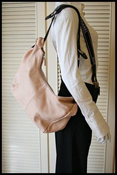 BOTTEGA VENETA vintage Pebbled Leather HOBO bag