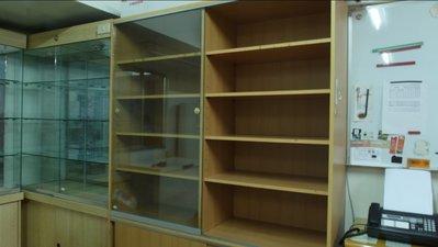 玻璃展示櫃 書櫃 展示櫃 玻璃櫃 二手 中古 高檔 展示櫃 置物櫃 木頭 開店 精品 家俱 層架