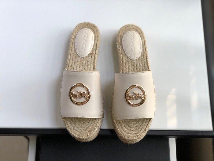 【小黛西歐美代購】COACH 寇馳 2020新款 拖鞋 五金屬馬車LOGO 休閒鞋1 時尚精品 美國連線代購