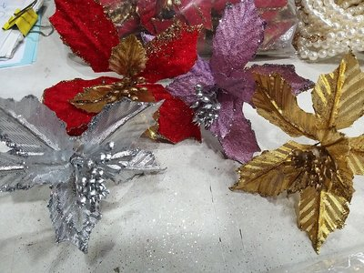 絲綢緞帶布**聖誕花//聖誕紅**特價一朵15元**有現貨