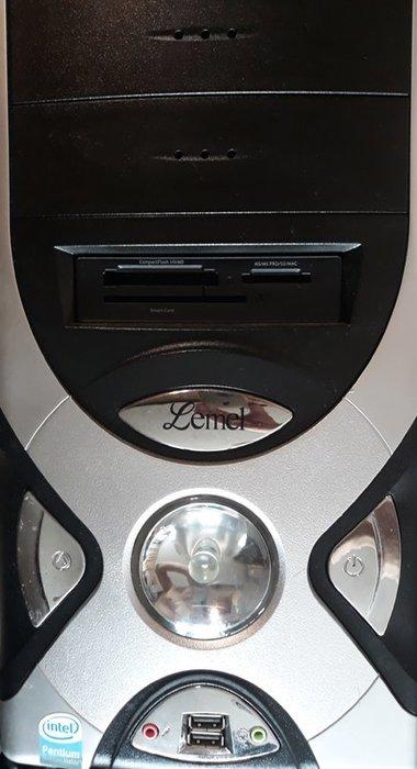 二手桌上型電腦文書機~ INTEL雙核心高速雙核心2.5G  + 硬碟  320GB + 2GB RAM