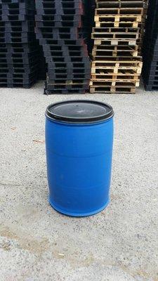 超級大特價!塑膠桶、廚餘桶、垃圾桶、萬用桶、儲水儲油桶等~200公升