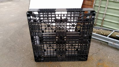 [三角戰略漆彈] 二手塑膠棧板 承重1200KGS $300/個 需至苗栗三義鄉自取