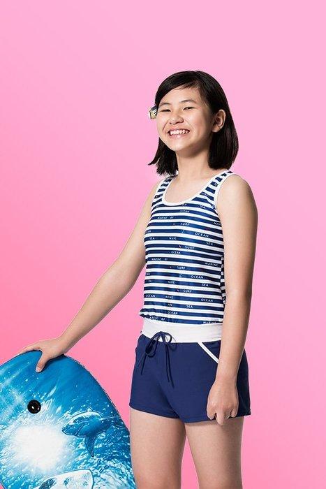 【  APPLE   】蘋果牌泳裝降價↘特賣~少女藍白橫條印圖連身四角泳衣  附泳帽      NO.107610