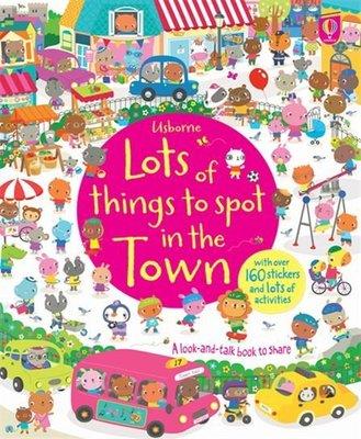 *小P書樂園* Lots of Things to Spot in the Town