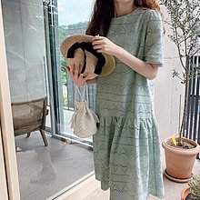 Bellee 正韓 優雅氣質 洞洞蕾絲花瓣裙襬短袖洋裝   (3色)  【60737】 預購
