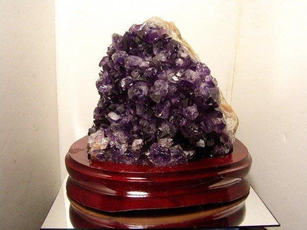 小風鈴~精選漂亮天然烏拉圭桌上型紫水晶片(紫水晶簇)~淨重:2350克(贈座)編號:5