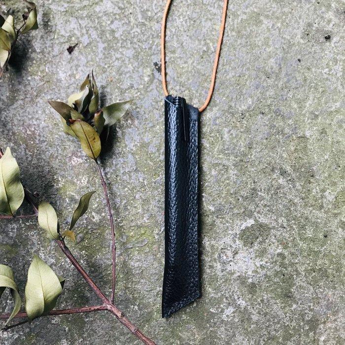 黑色 文青風 客製化禮物 筆套 鋼筆套 真皮掛式筆套嗅皮手作