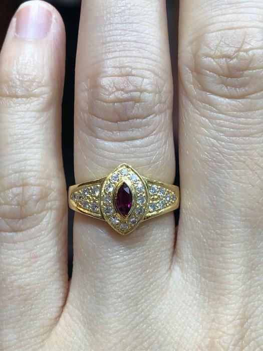 25分天然紅寶石鑽石K金戒指,厚金戒台搭配經典黃K金,超值優惠現金出清價16800,只有一個要買要快,寶石鮮豔漂亮,鑽石白亮