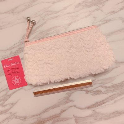 $48 shiseido medium size fluffy makeup bag pink color 粉紅色 中size 毛毛化妝袋