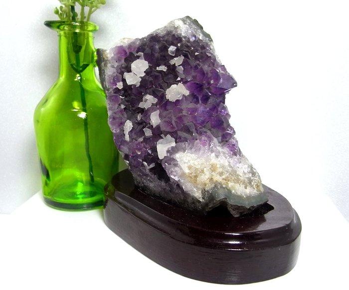 小風鈴~精選漂亮天然桌上型紫水晶片(紫水晶簇)~淨重:701克(贈座)
