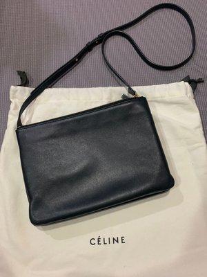 ♡歐日美加 LuLu代購♡CELINE TRIO 小羊皮 黑色 二手 可放長夾