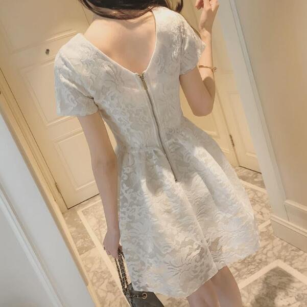 韓版洋裝 夏裝新款女裝 時尚百搭短袖鈎花露背蕾絲連身裙 A字裙 蓬蓬裙—莎芭