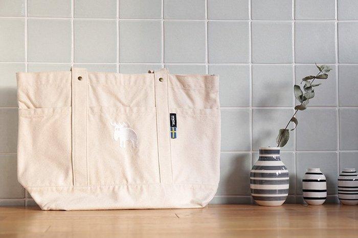 乾媽店。(現貨) 日本 MOZ 北歐 瑞典 麋鹿 刺繡 棉帆布 肩背包 手提袋 手提包 ( L尺寸 )
